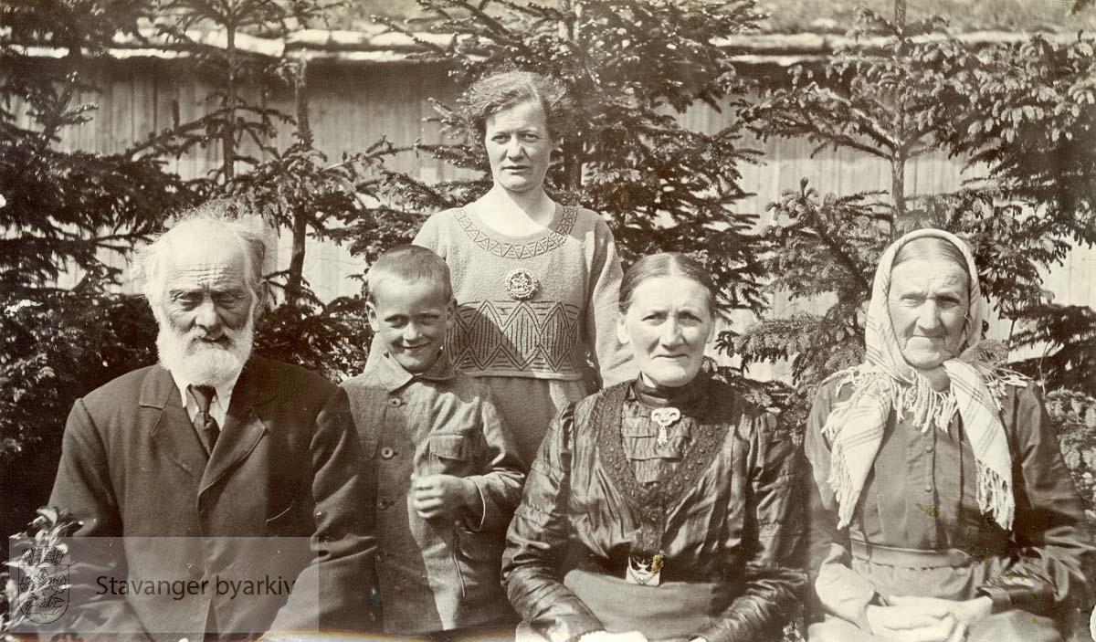 Henrik Christian Sætra med familie