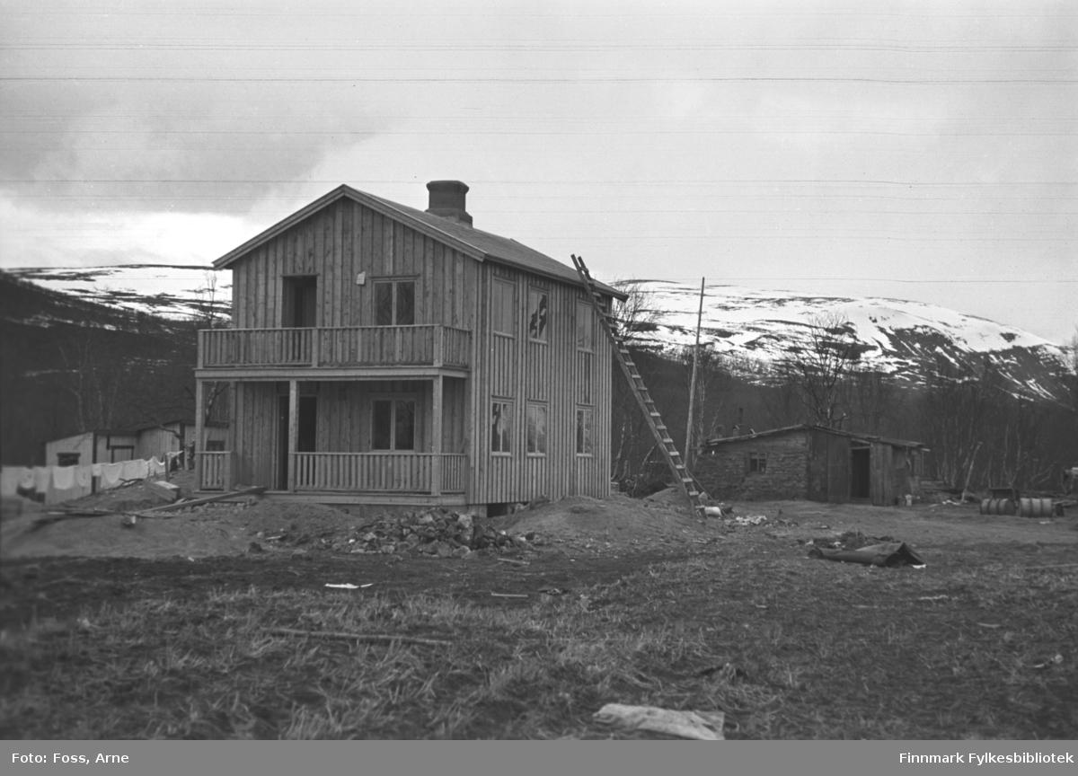 Et gjenreisningshus i Tana,  i mai-juni 1947.