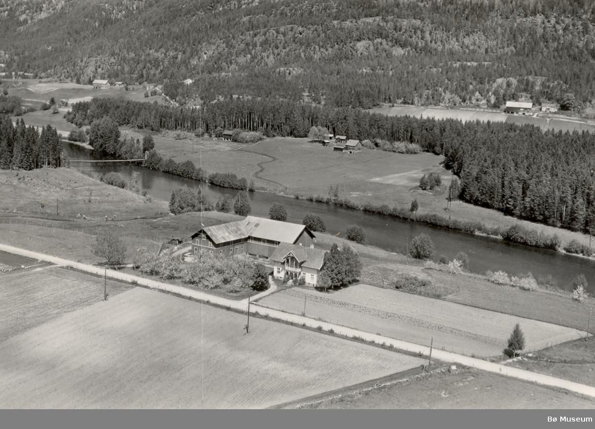 Flyfoto av Lovald ved Bøelva