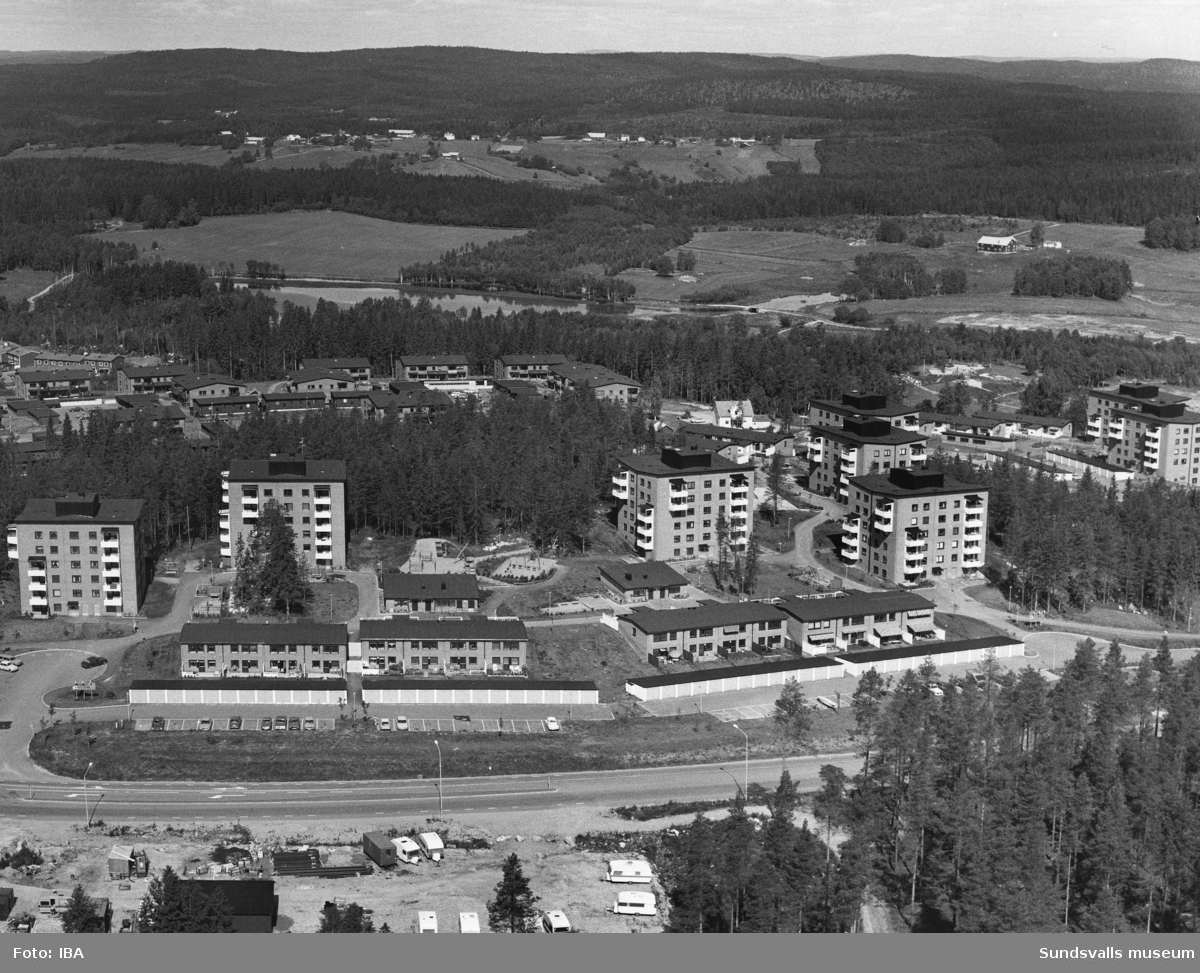 Flygfoto över bostadsrättsföreningen Skvadern i Granloholm.