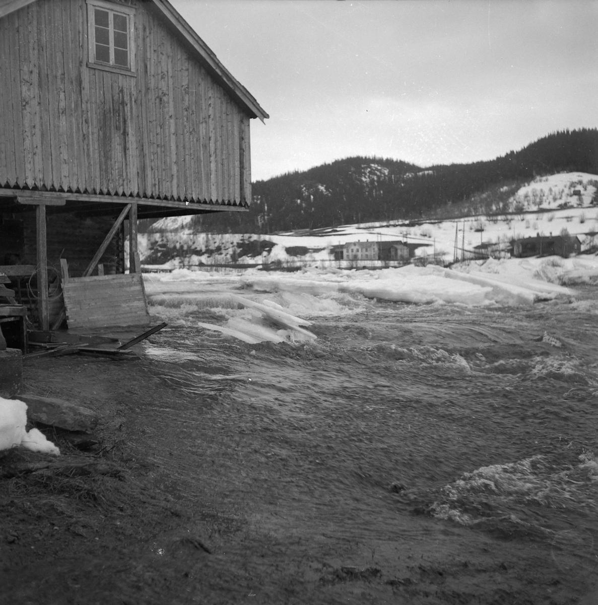 Flom og isgang ved Rolset i Selbu