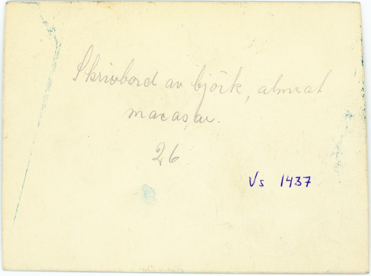 Vänersborg. Elfsborgs läns Dövstumskola, senare Vänerskolan. Gesällprov, skrivbord
