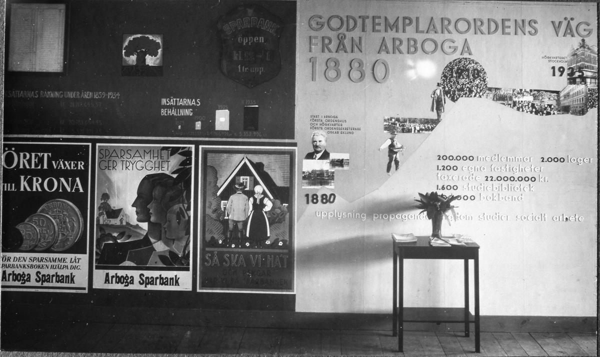Arboga Sparbank och Godtemplaorden delar monter på Arbogautställningen.