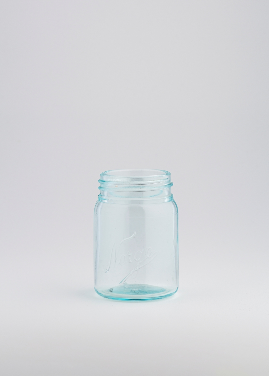 Bunn til Norgesglass med rund glassflate.