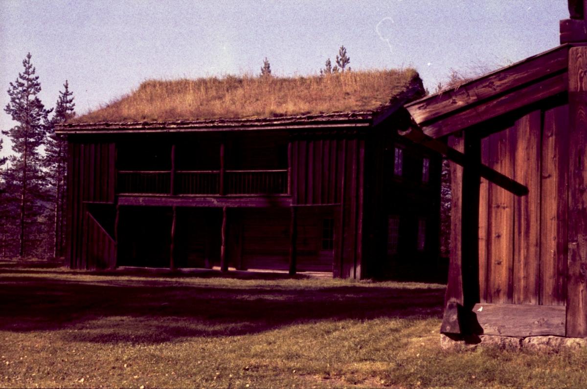 Østmostua. Fargenegativ. foto H. Skirbekk