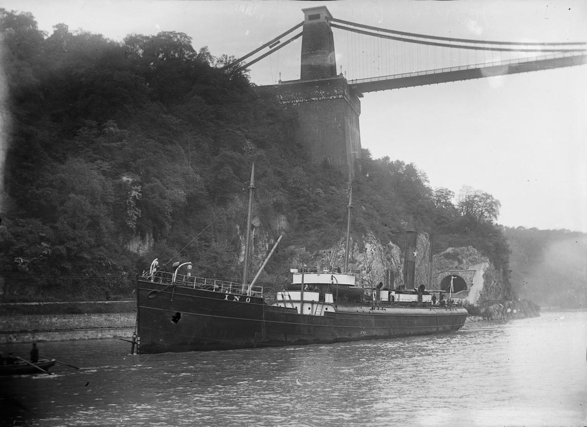 S/S 'Ino' (b. 1865) ved Clifton suspension bridge.
