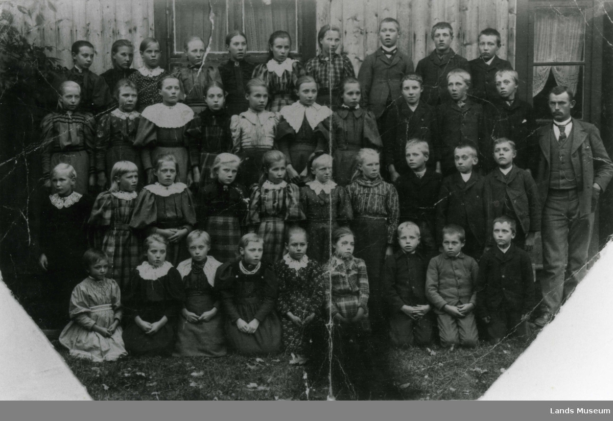 Fredheim skole, Aust-Torpa 1896.