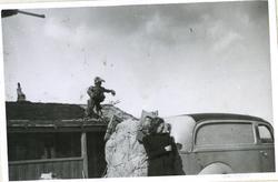 Fra familiealbum.  I mai 1940 var jernabneforbindelsen brutt