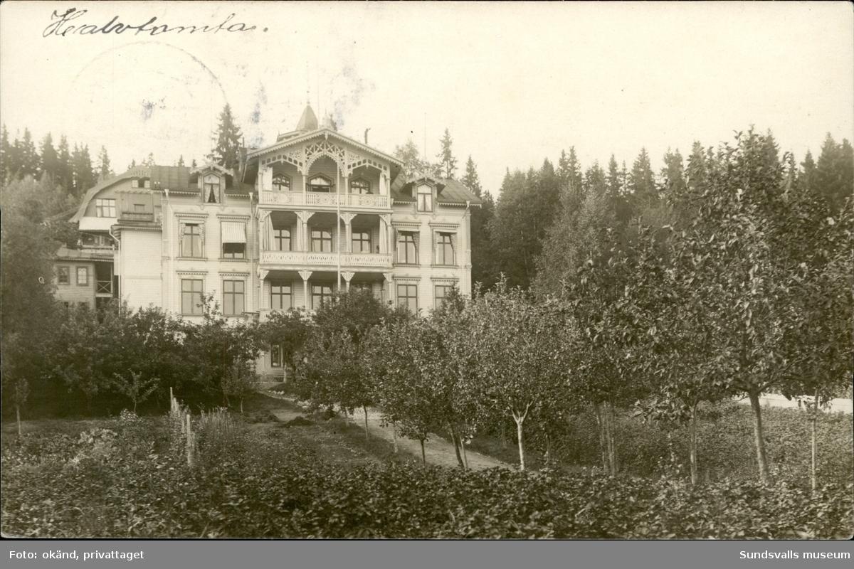 Vykort med motiv över Villa Halvtomta i Sundsvall.