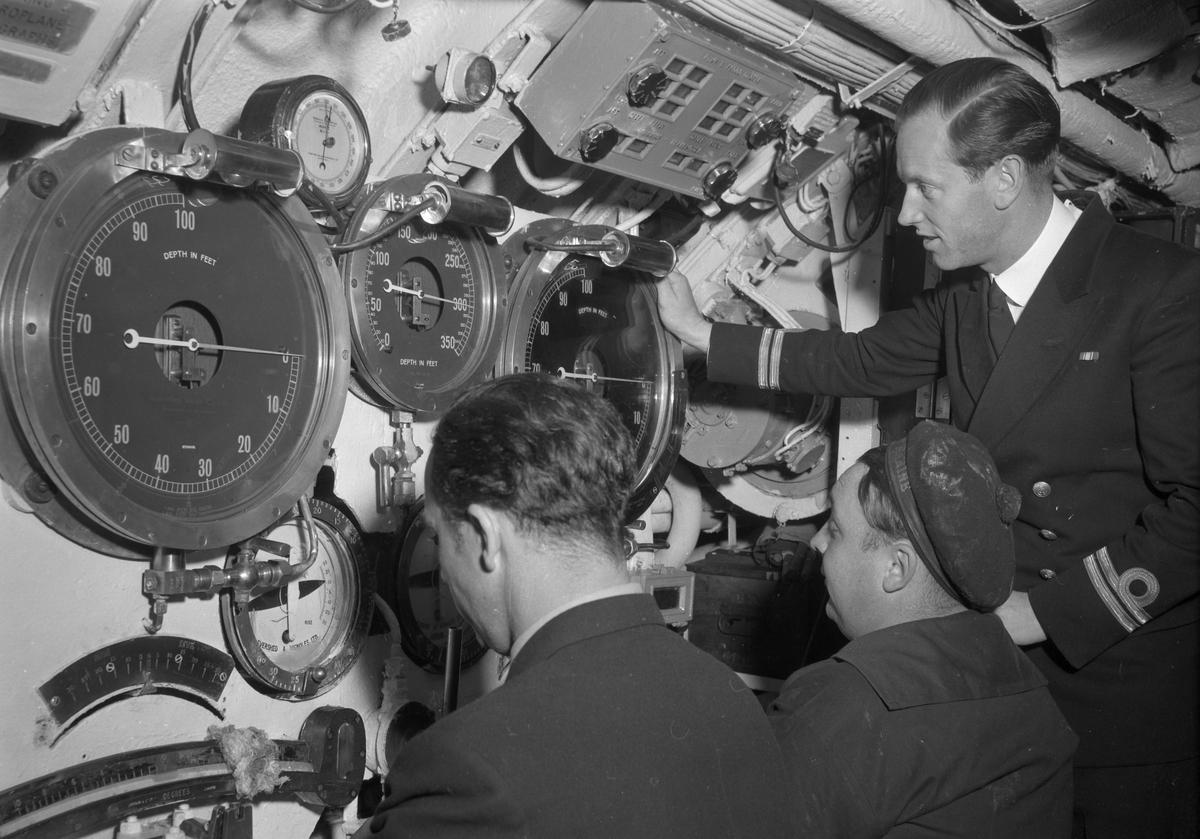 På øvelse med ubåten Utsira