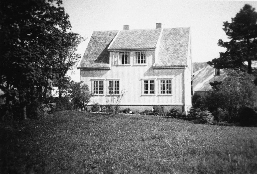 Huset på Heiane i ca 1948.