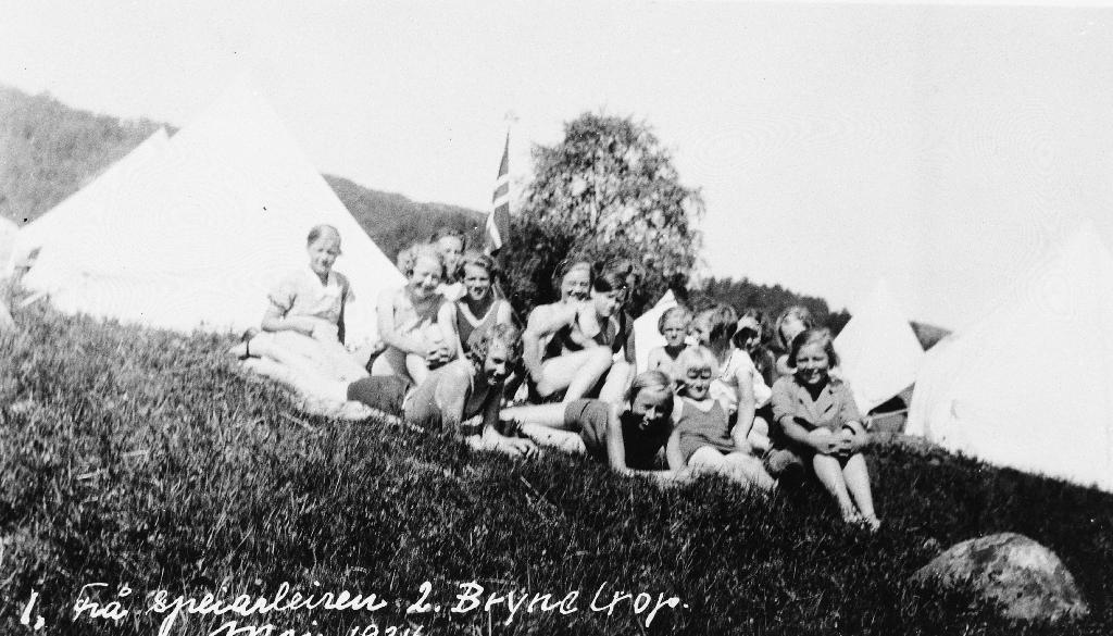 Frå speidartur på Moi 1934, 2. Bryne tropp.