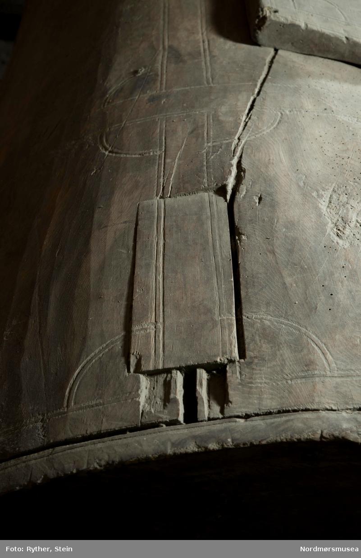 Grinn innskjæring, trolig med høvel e.l.
