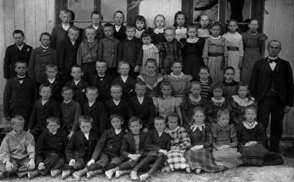Lystad skole 1899 (Foto/Photo)