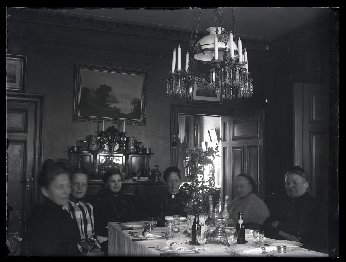 Middagssällskap, 1910. Lillhärad socken.