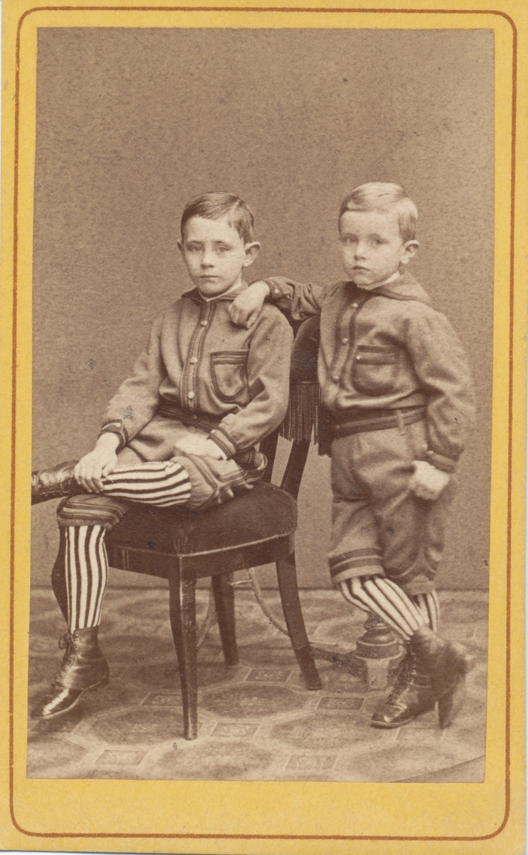 Paridon och Gustaf von Horn, Adéle Rettigs äldsta gossar.