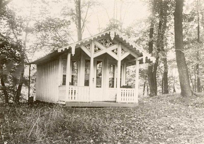 Dukkestuen fra «Heia» før flytting til museet, 1932.