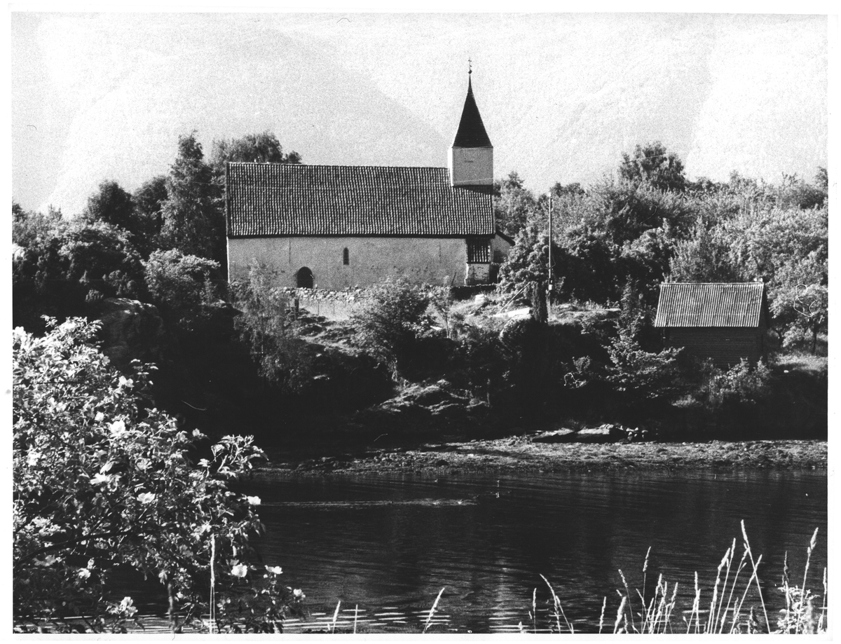 Kvamsøy gl. kirke