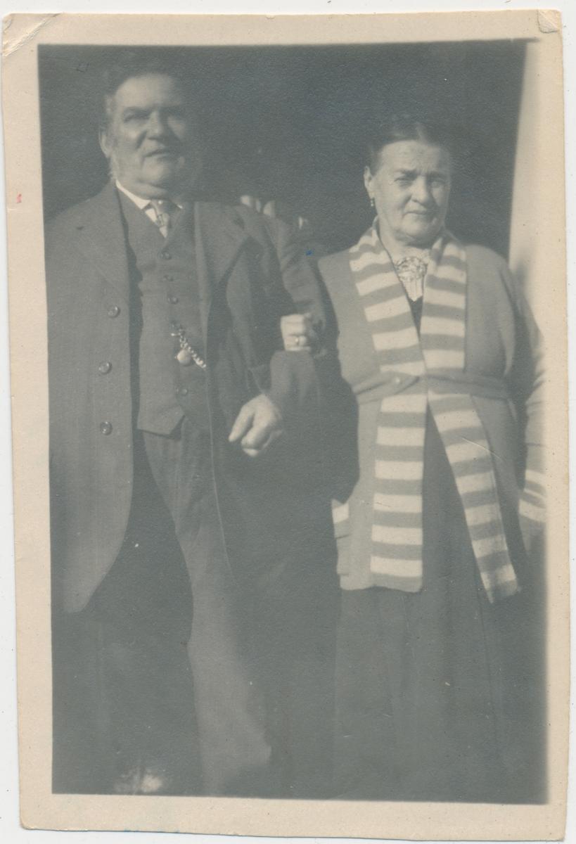 Eldre par, Hans og Hilda?