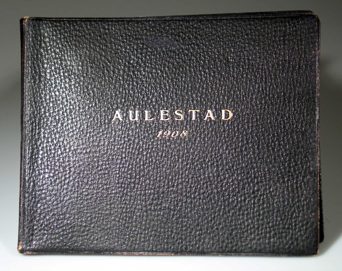 Album med fotografier fra Aulestad.