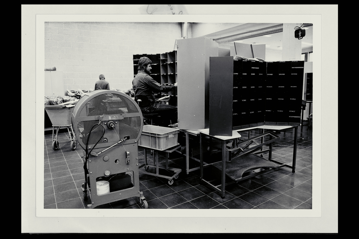 interiør, postterminal, 4604 Kristiansand S, sortering, sorteringsreoler, buntemaskin