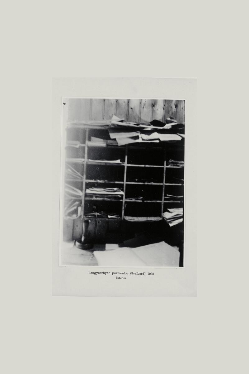 interiør, postkontor, 9170 Longyearbyen, reol, stempel