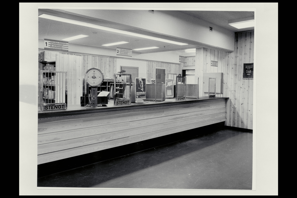 interiør, postkontor, 3950 Brevik, publikumshall, vekt