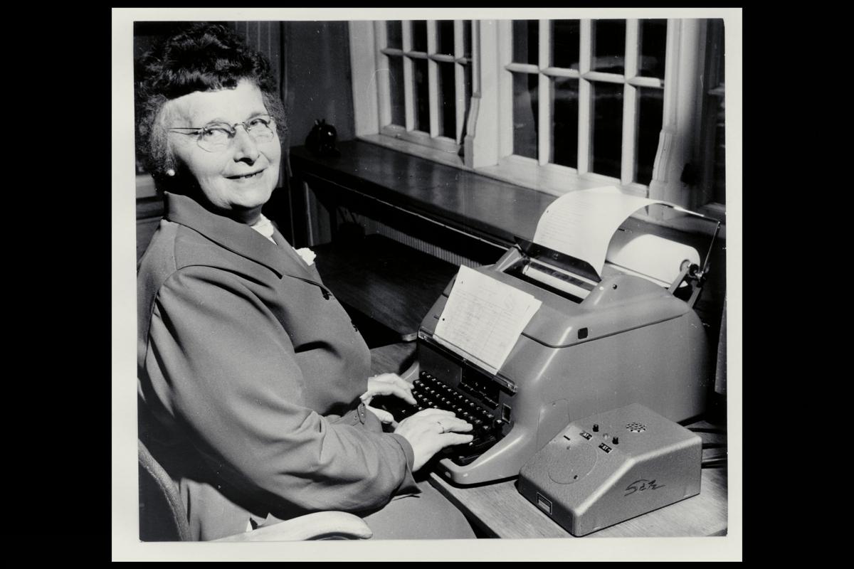 interiør, postgiro, kontor, dame, skrivemaskin