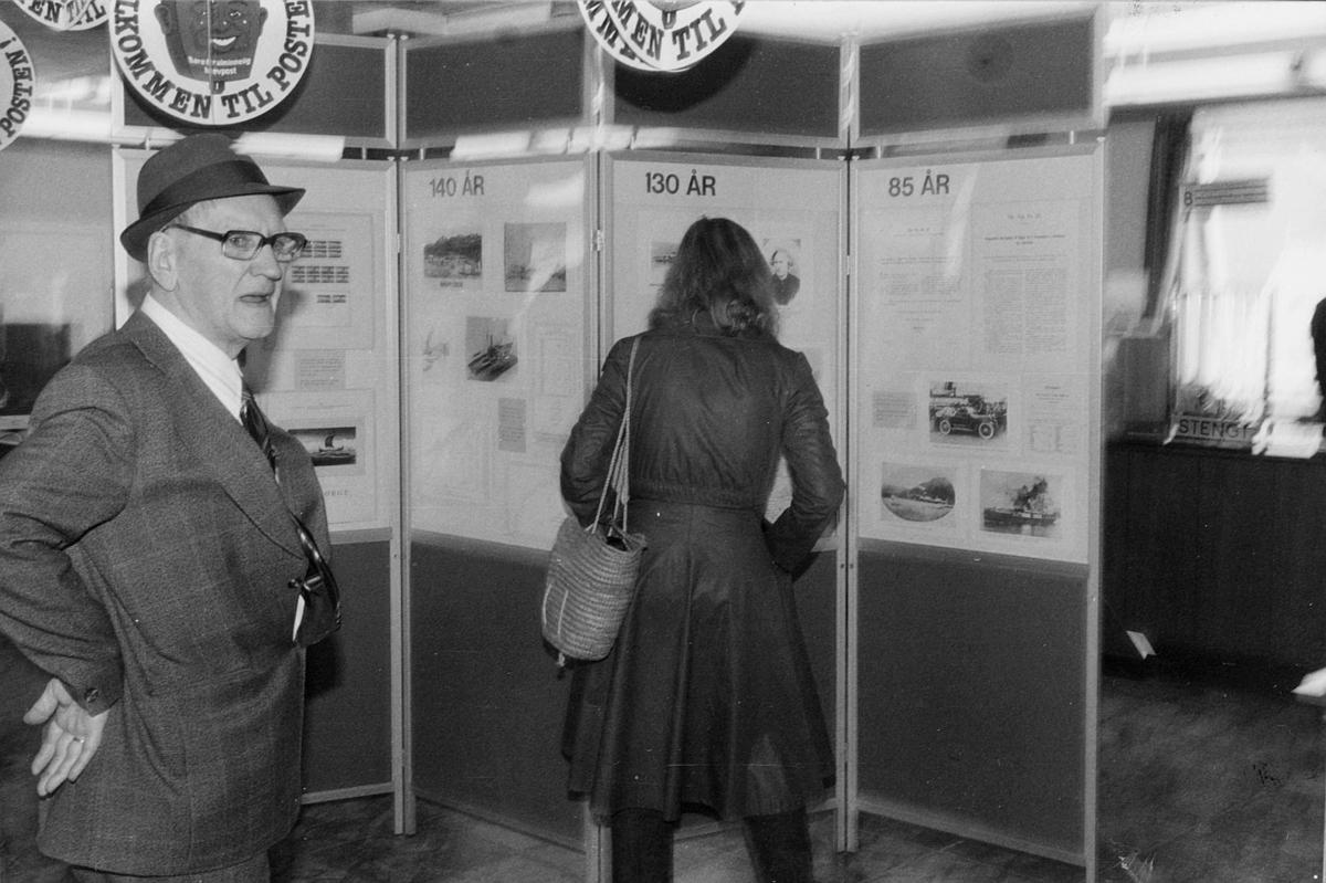 utstilling, 9400 Harstad postkontor, Harstad by 75 år, kunder