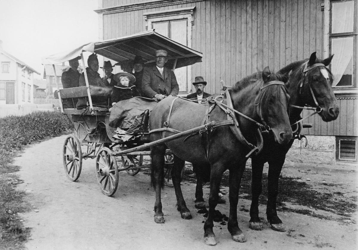 transport, to hester, vogn fire hjul, ruten Mysen - Ørje, menn, kvinner, barn