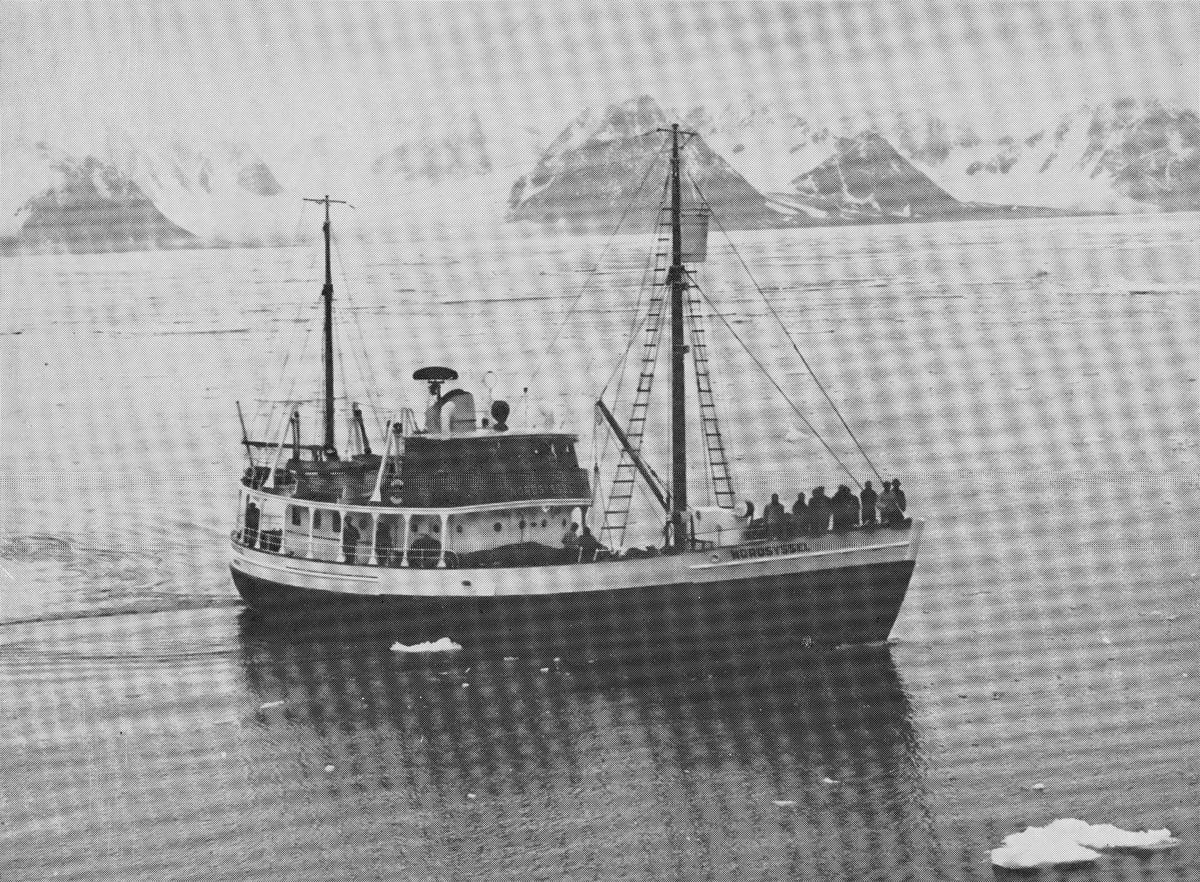 Transport båt, Nordsyssel, sysselmannsbåt på Svalbard