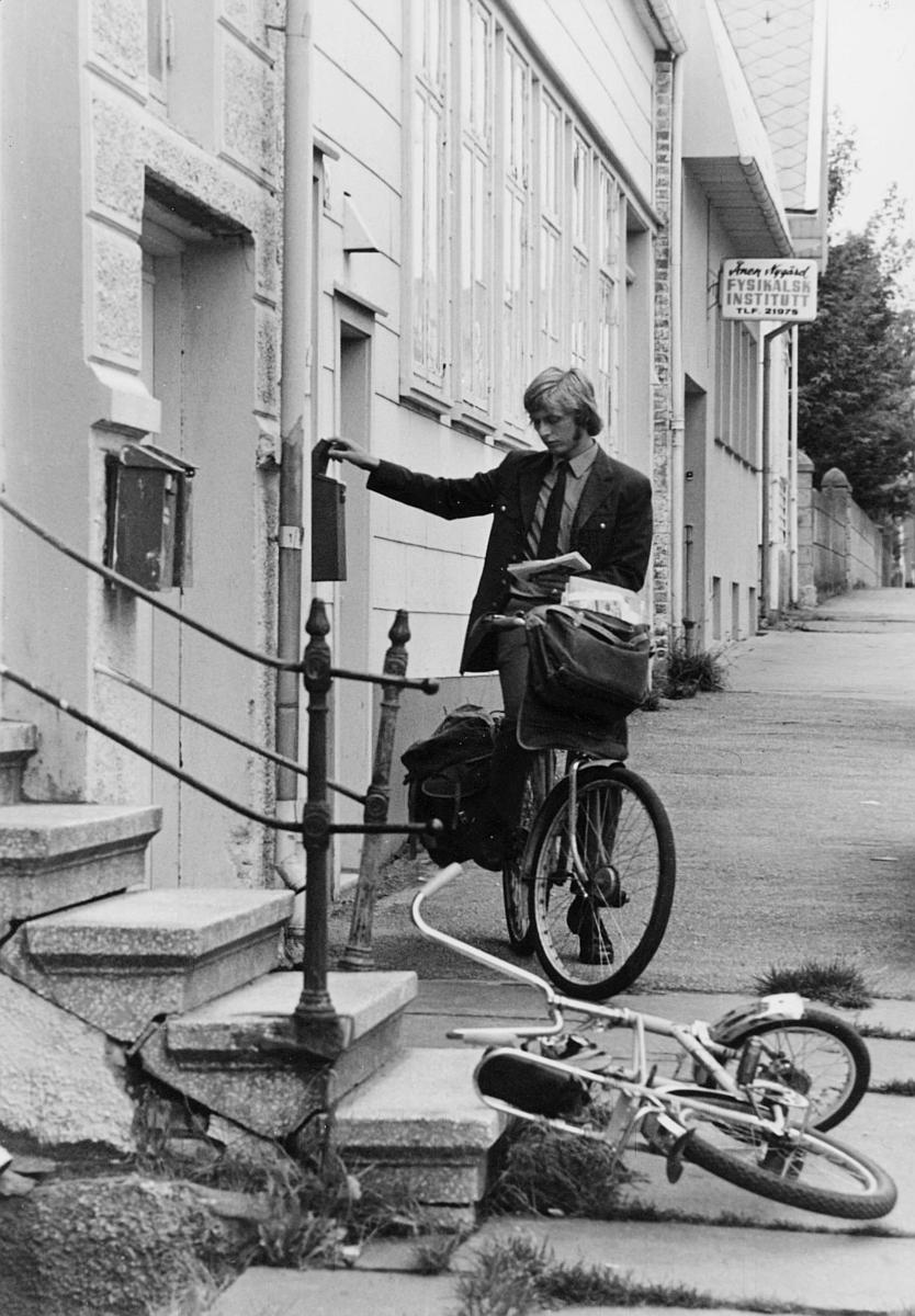 omdeling, postbud, sykkel, postkasse