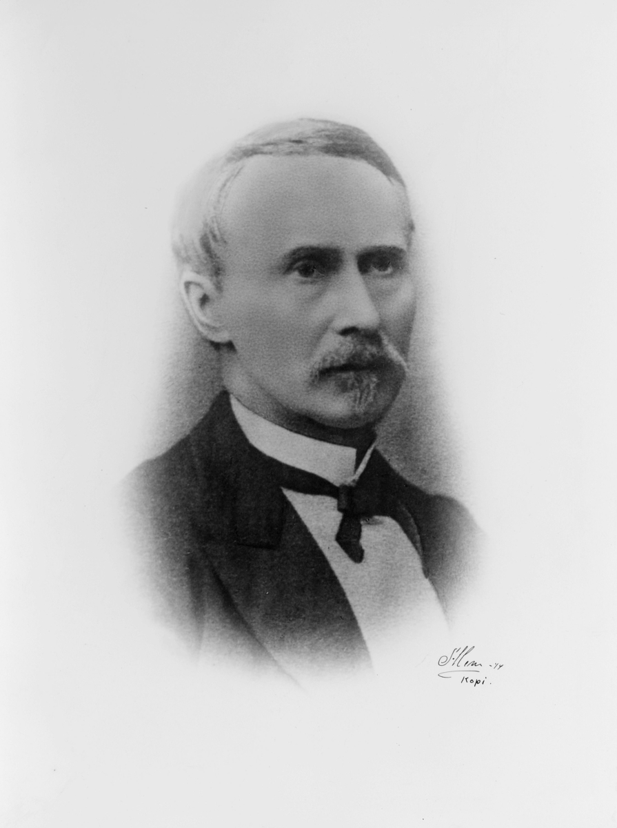 postmester, Tøstie Severin August, portrett