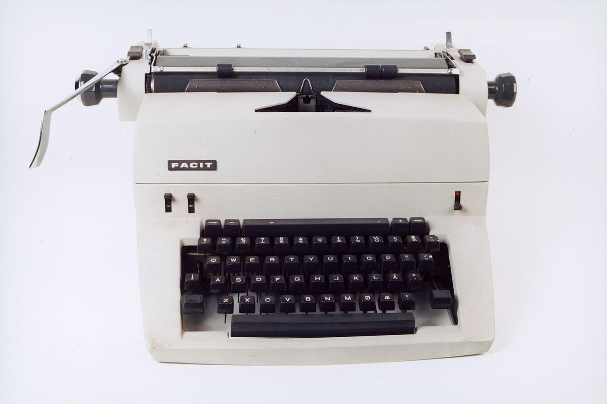 postmuseet, gjenstander, FACIT skrivemaskin