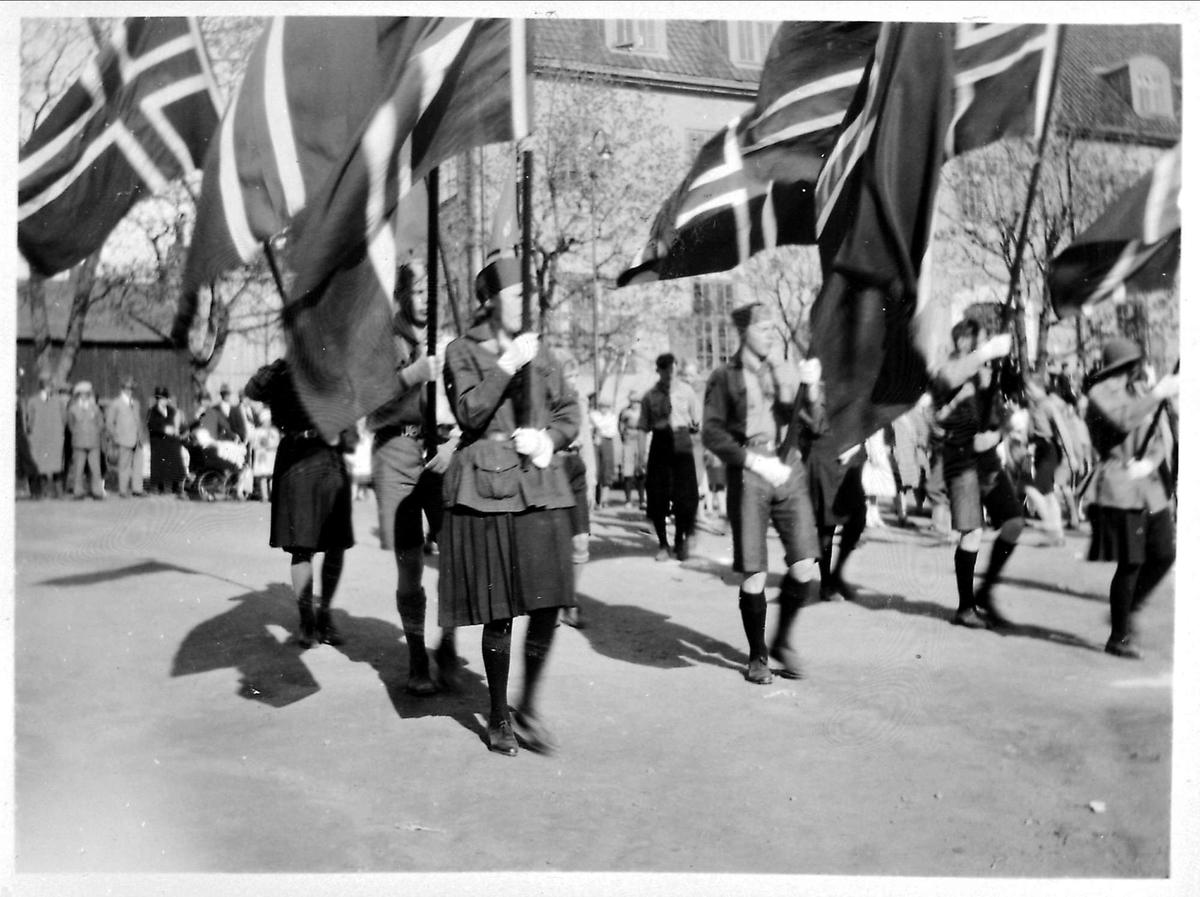 Flagg, 17.mai-tog, speidere