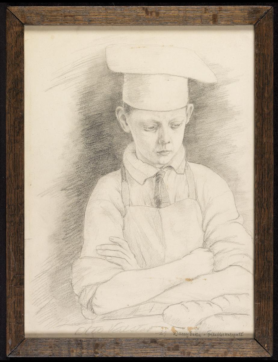 Gutt, halvfig., noe høyrev., bakerlue, frakk,  foran bord m. brød.