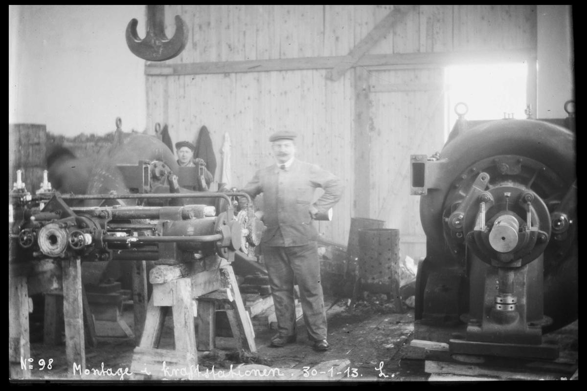 Arendal Fossekompani i begynnelsen av 1900-tallet CD merket 0470, Bilde: 11 Sted: Bøylefoss Beskrivelse: Turbinmontasje