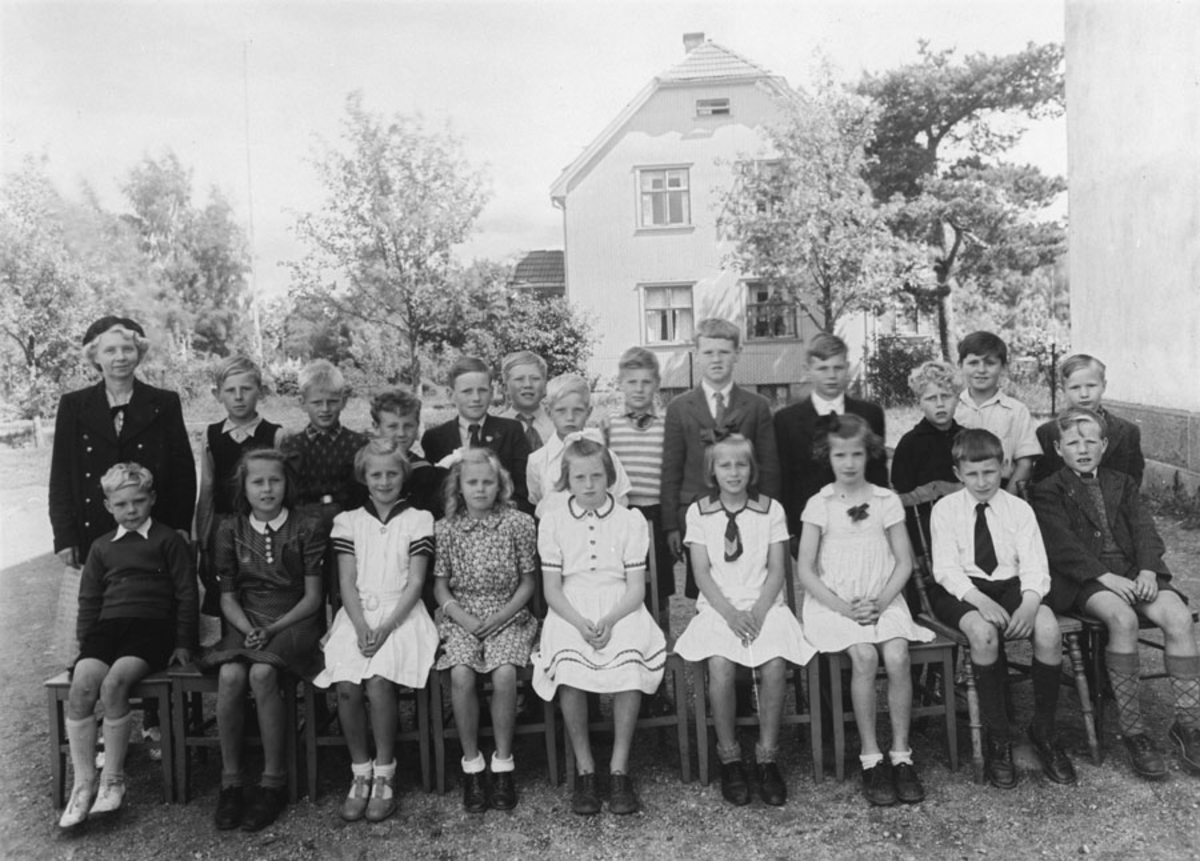 1. klasse 1943, Kontra skole.