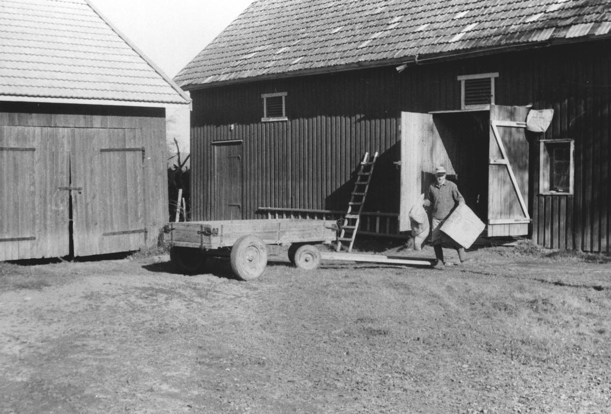 Gardsplassen på Orrebekk.