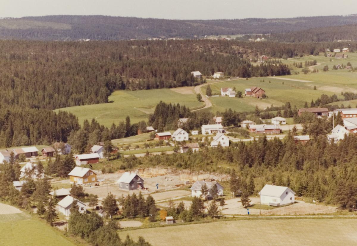 ELVERHØI, LØKEN