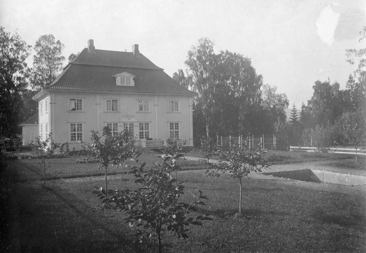 Wergelandshaugen, Sorenskrivergården
