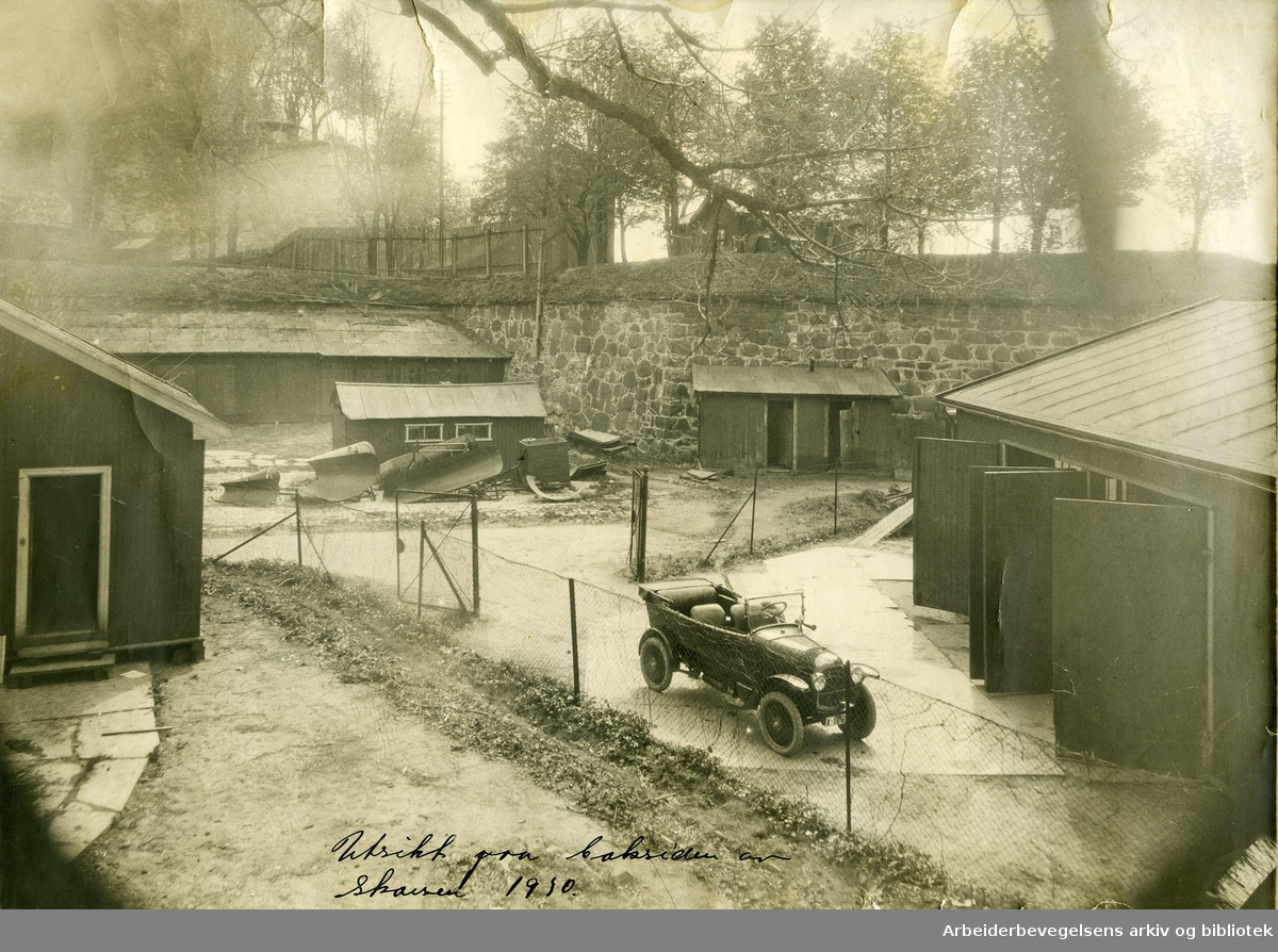 Utsikt fra baksiden av restaurant Skansen mot Akershus Festning, .1930.