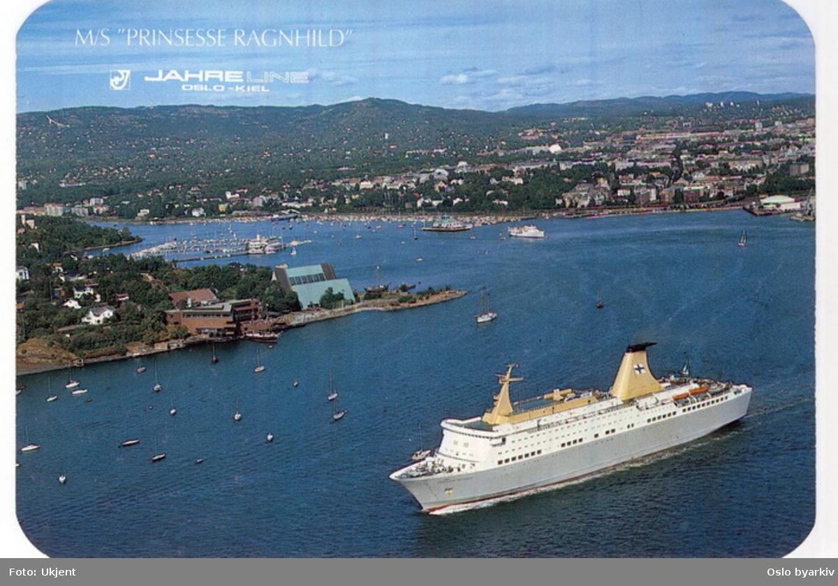 Kielfergen. Jahre Lines M/S Prinsesse Ragnhild 1 (1966-1980) på utgående ved Frammuseet og Sjøfartsmuseet på Bygdøy. Frognerkilen. Postkort.