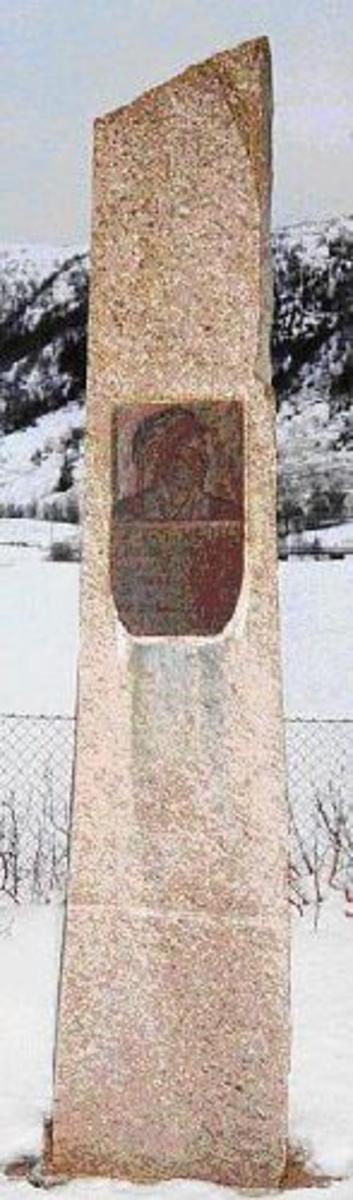 Bautastein med bronsepalte