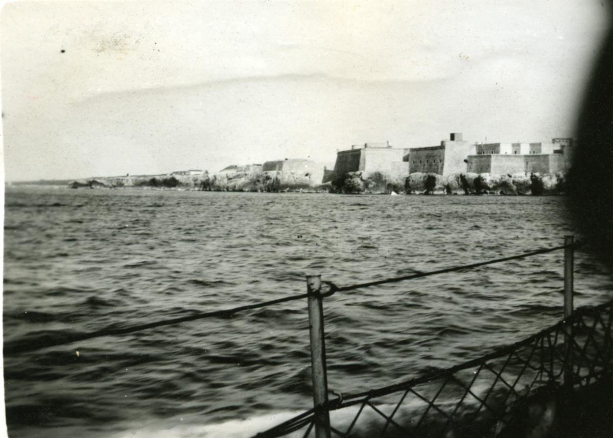 Album Ubåtjager King Haakon VII 1942-1946 Forskjellige bilder. Morro Castle, Havana.
