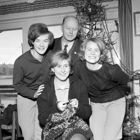 Fra venstre: Randi Elisabet Nilsen, Bjørn Norderhaug, Aud Groven. Foran Mette Rosenvinge.