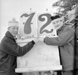 Skihopp. Mikkel Dobloug t. v. og Bjørn Wirkola. Jr.NM Gjørsl