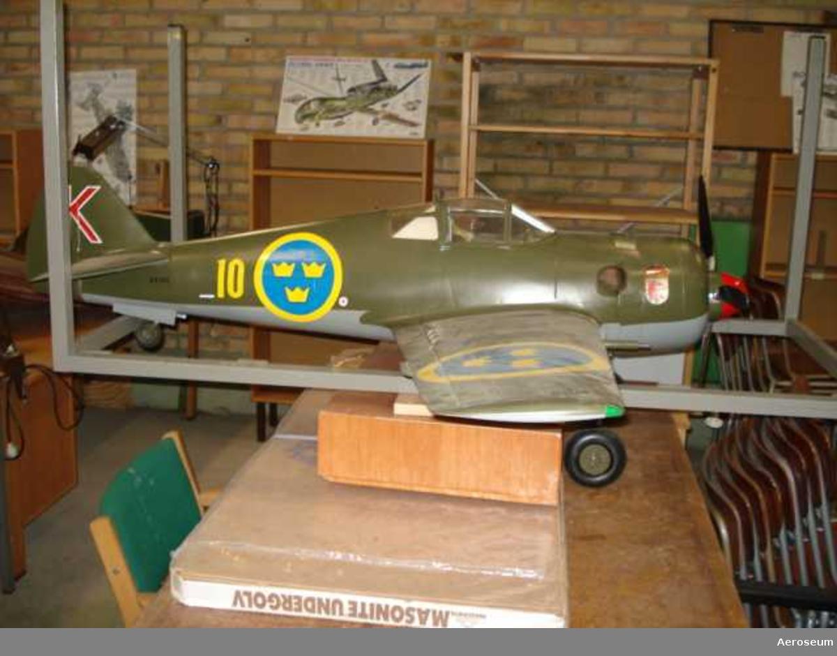 Flygplansmodell J 22