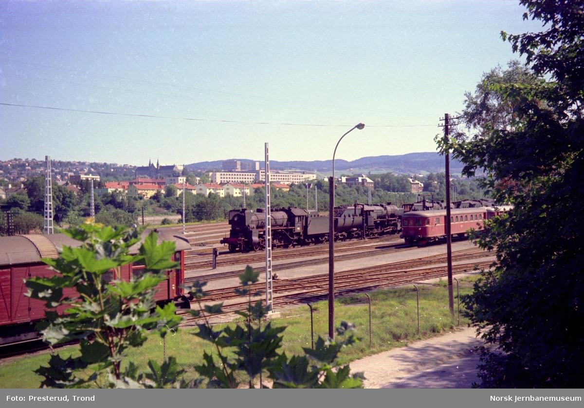 Marienborg med hensatte damplokomotiver, blant annet type 31b nr. 430