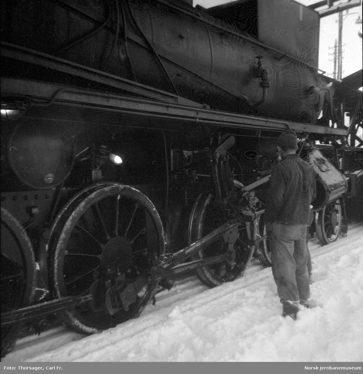 Damplokomotiv type 26b nr. 229 på Koppang stasjon